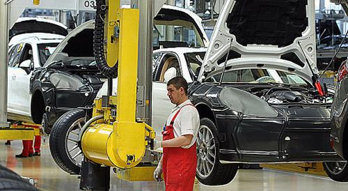 مجهزترین کارخانه قیمت پورشه کاین قیمت پورشه 911 کاررا شرکت فولکس واگن خط تولید خودرو بزرگترین خودروسازان جهان امنیت پورشه ابر کارخانه آتش گرفتن پورشه پانامرا Porsche production line Porsche