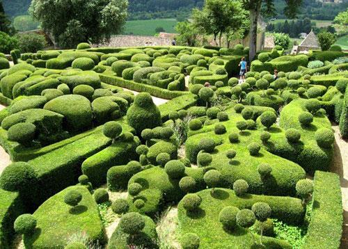 باغ های قصر مارکیزی در فرانسه