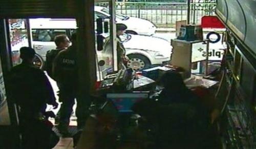 ساینا ماشین (تصاویر) عملیات دستگیری آدمخوار کانادایی