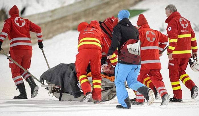 (تصاویر) حادثه تلخ برای قهرمان اسکی جهان