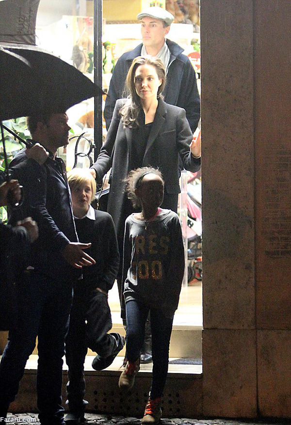 (تصاویر) ملاقات آنجلینا جولی با پاپ فرانسیس