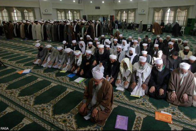 برگزاری دو نماز جماعت در کنفرانس وحدت اسلامی!