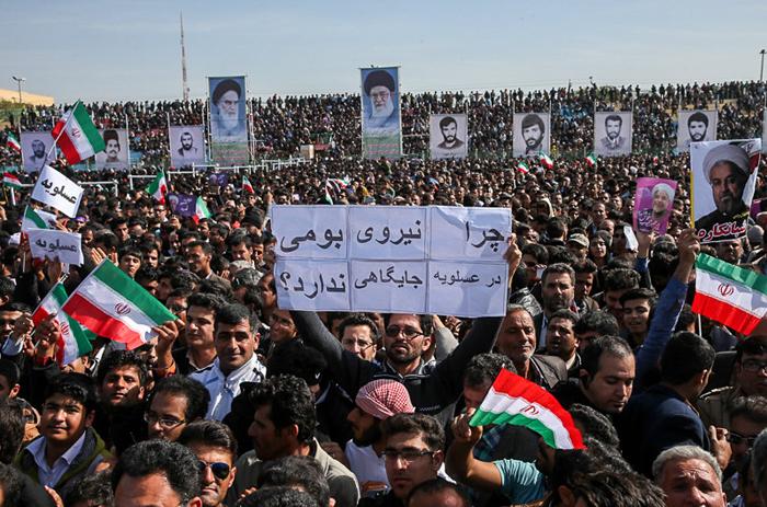 (تصاویر) استقبال از روحانی در بوشهر