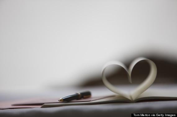 9 دلیل برای اینکه نامه نوشتن با دست را کنار نگذاریم