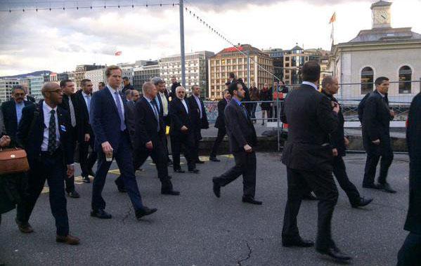 (تصاویر) پیاده روی ظریف و کری در خیابانهای ژنو