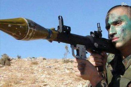 (تصویر) جهاد مغنیه در حال آموزش نظامی