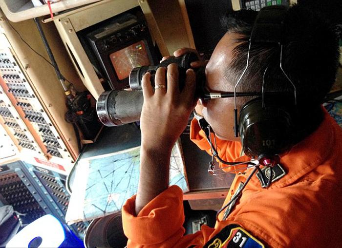 (تصاویر) جستجو در پی هواپیمای گمشده
