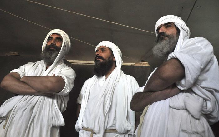 (تصاویر) تشییع رهبر صابئین ایران