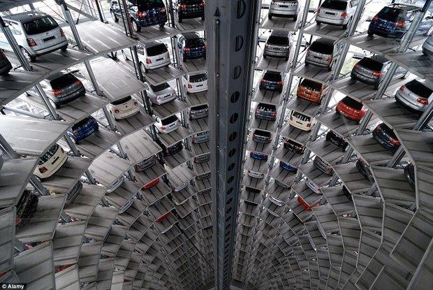 (تصاویر) عجیبترین پارکینگهای خودرو