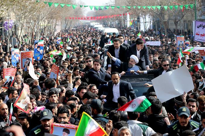 (تصاویر) استقبال از روحانی در اصفهان