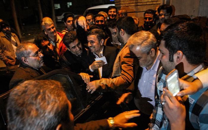 (تصاویر) سخنرانی احمدینژاد در شهر ری
