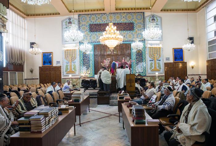 (تصاویر) نیایش کلیمیان برای سلامتی رهبرانقلاب