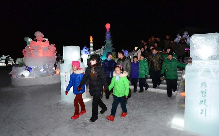 (تصاویر) جشن تولد کیمجونگایل در کرهشمالی