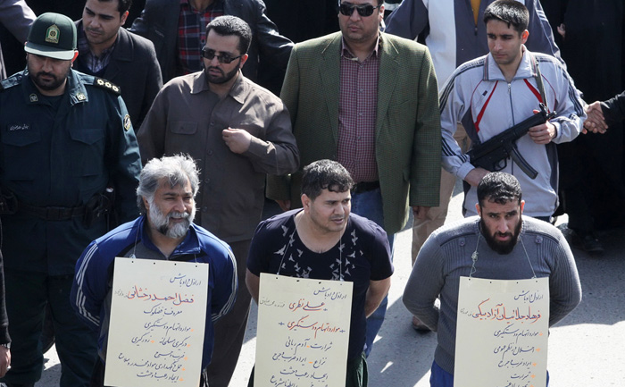 (تصاویر) گرداندن 3 شرور در مشهد