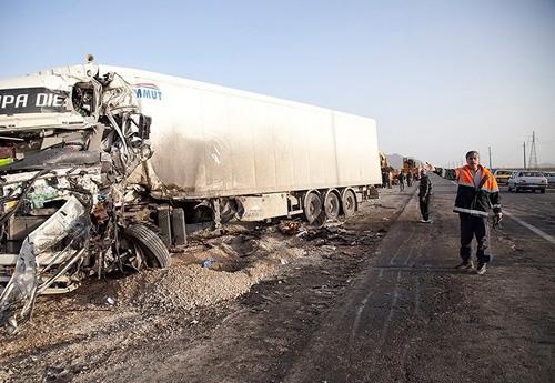 (تصاویر) تصادف مرگبار چهار کامیون