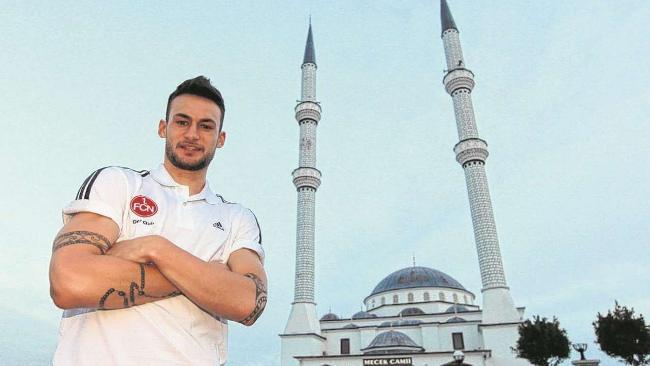 فوتبالیست آلمانی مسلمان شد