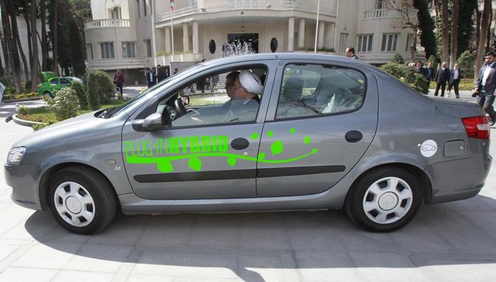 (تصاویر) رانندگی حسن روحانی