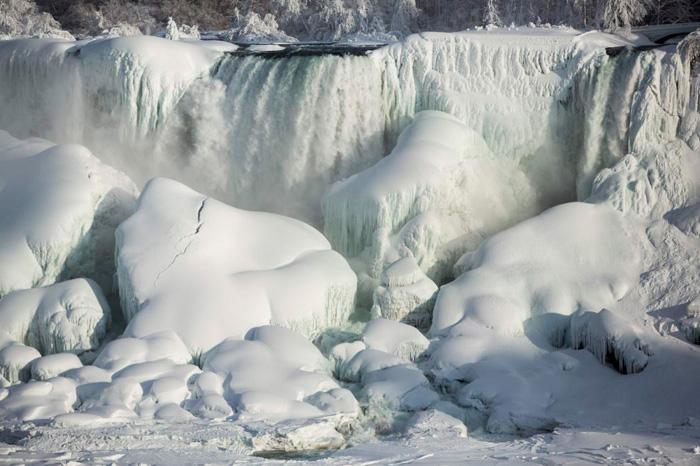 (تصاویر) آبشار نیاگارا یخ زد
