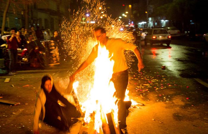 (تصاویر) چهارشنبه سوری در تهران