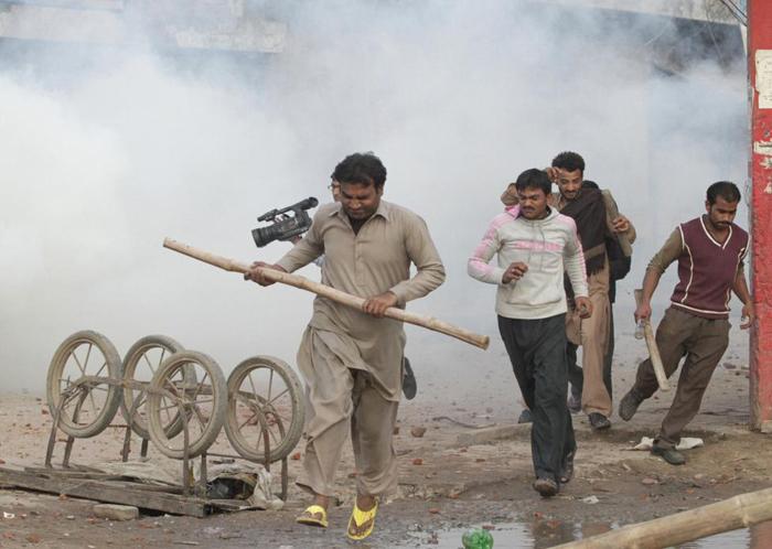 (تصاویر) بحران در پاکستان پس از حمله به کلیسا