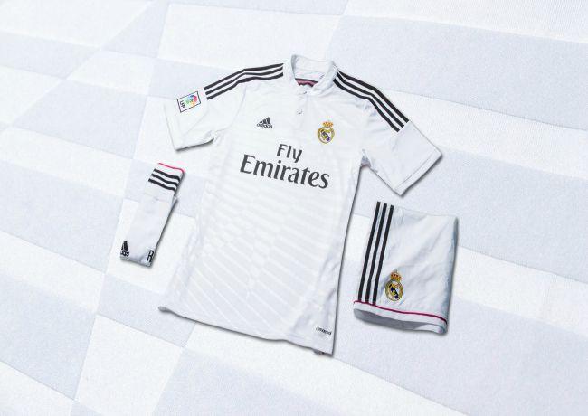 خرید لباس صورتی رئال مادرید