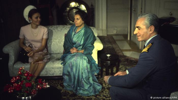 عکسهای محمدرضا شاه با خانواده