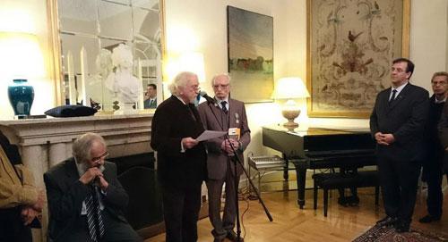 نشان شوالیه فرانسه به محمود دولتآبادی اهدا شد
