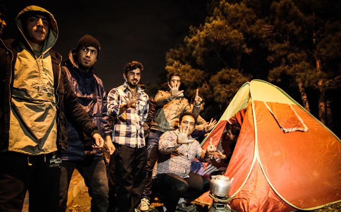 (تصاویر) اسکان شبانه تماشاگران دربی