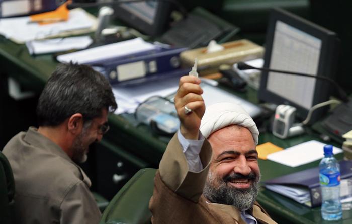 (تصاویر) جلسه رایاعتماد به محمد فرهادی