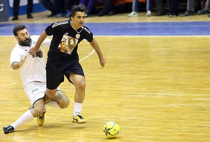 (تصاویر) دیدار خیریه هنرمندان و پیشکسوتان فوتبال