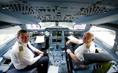یک ایرانی اولین خلبان مدرنترین هواپیمای مسافربری جهان شد