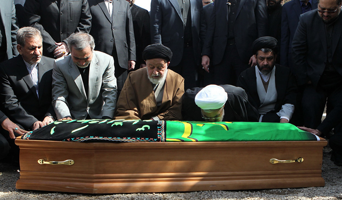 پیکر والده روحانی به خاک سپرده شد