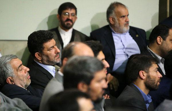 (تصاویر) دیدار جمعی از مداهان با رهبر نقلاب