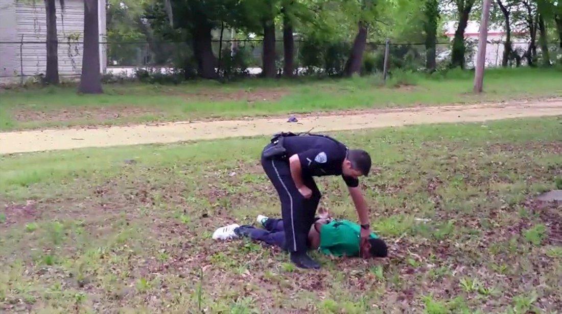 (تصاویر) لحظه شلیک پلیس امریکا به مردسیاهپوست