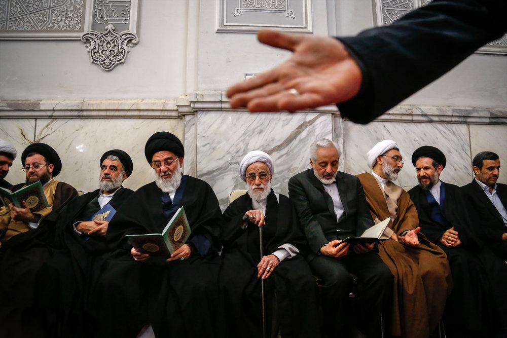 (تصاویر) مجلس ترحیم همسر آیت الله جنتی