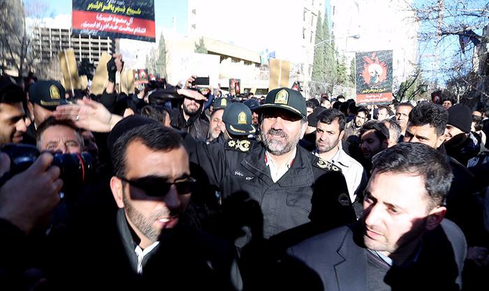 (تصاویر) تجمع بدون مجوز قابل سفارت عربستان