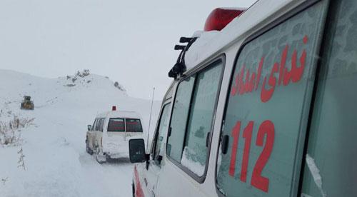 نجات 5 زن باردار کردستاني گرفتار در برف +(تصاویر)