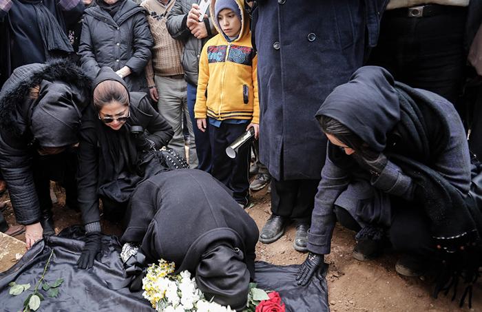 (تصاویر) خاکسپاری مرحوم اینانلو