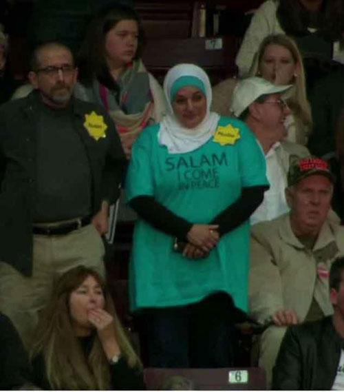 اخراج زن مسلمان از جلسه انتخاباتی ترامپ
