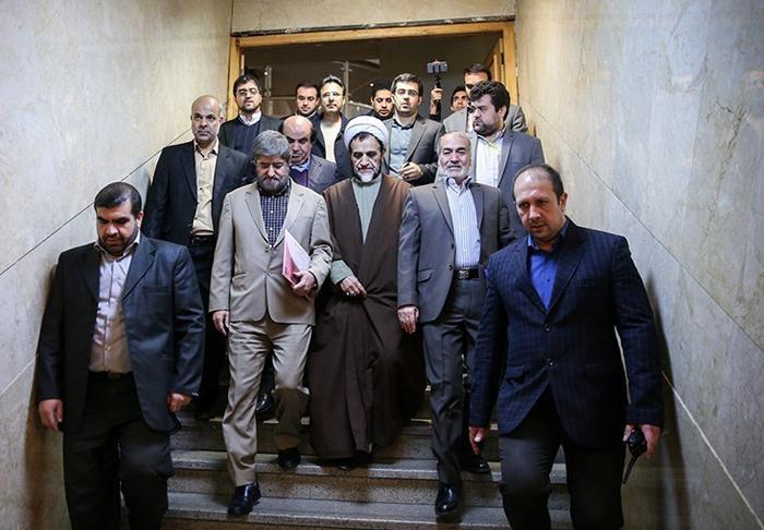 (تصاویر) ثبت نام علی مطهری در انتخابات