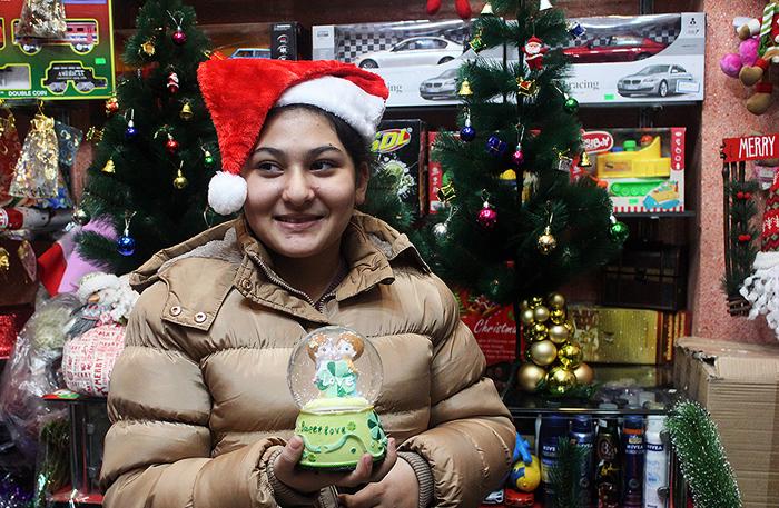 (تصاویر) حال و هوای کریسمس در تهران
