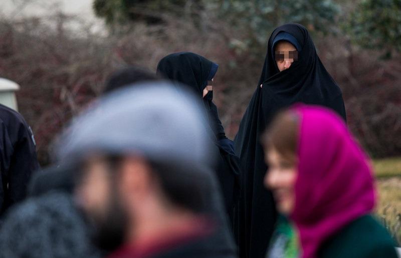 (تصاویر) گشت ارشاد در کاخ جشنواره