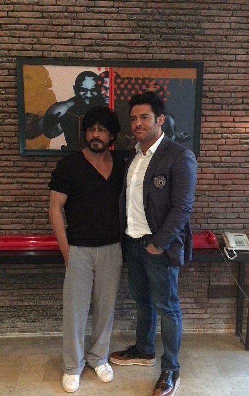 شاهرخ خان، گلزار را به منزلش دعوت کرد +(تصاویر)