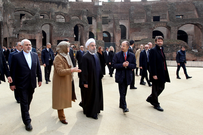 (تصاویر) بازدید روحانی از صحنه نبرد گلادیاتورها