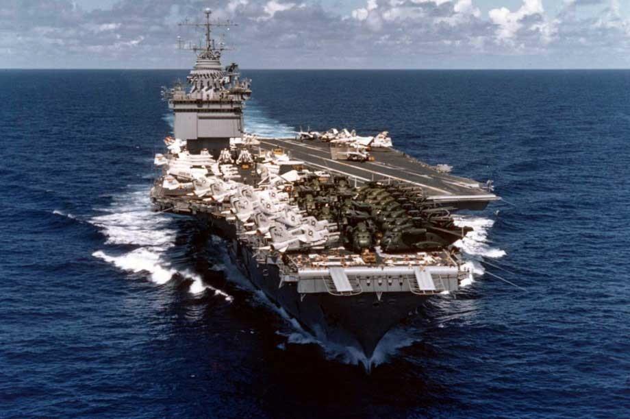 Uma rocha quase afundou o porta-aviões nuclear USS Entrerprise