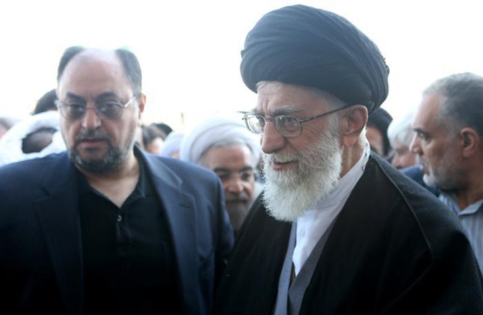 Image result for عکس مراسم تشییع پیکر آیت الله رفسنجانی