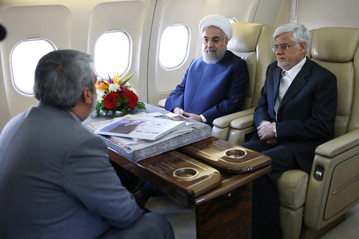 (تصویر) روحانی با عارف به یزد رفت