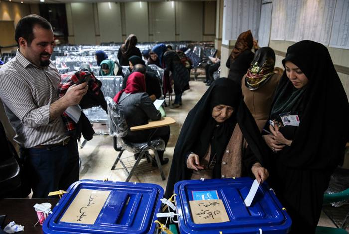 (تصاویر) بازار داغ سلفی در روز انتخابات