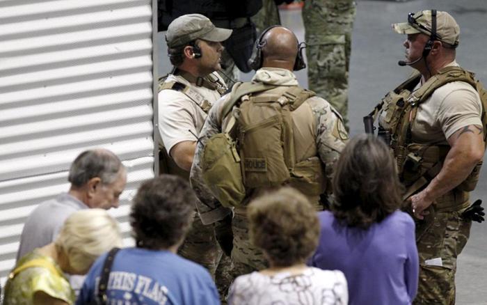 (تصاویر) 2 کشته در حمله به نمایشگاه کاریکاتور پیامبر(ص) در امریکا