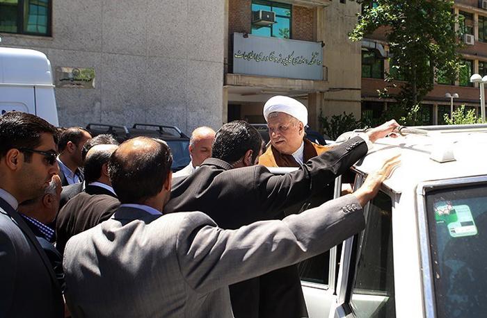 (تصاویر) حواشی حضور هاشمی در پلیتکنیک